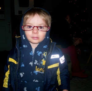 Gratuitous cute Vincent picture in which he dons Lea's rhinestone red reading glasses.  He cried most wretchedly when he had to leave them behind.